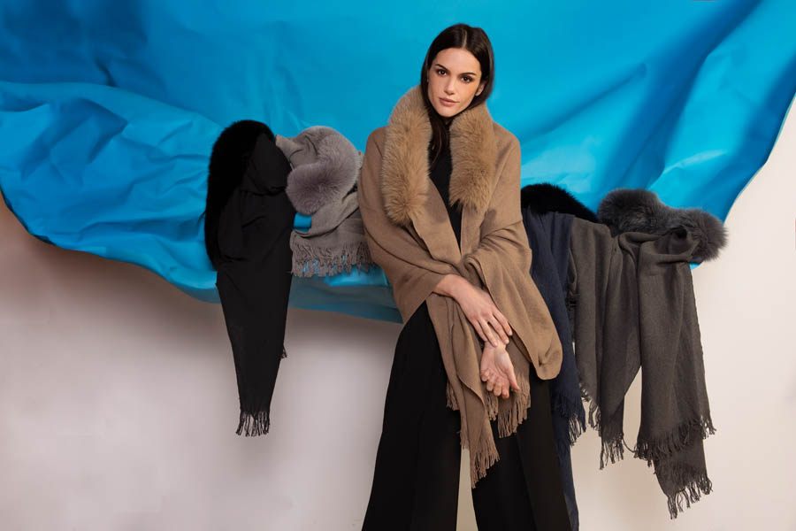 L428 01 giovi accessories fur - Fall Winter 2019-20