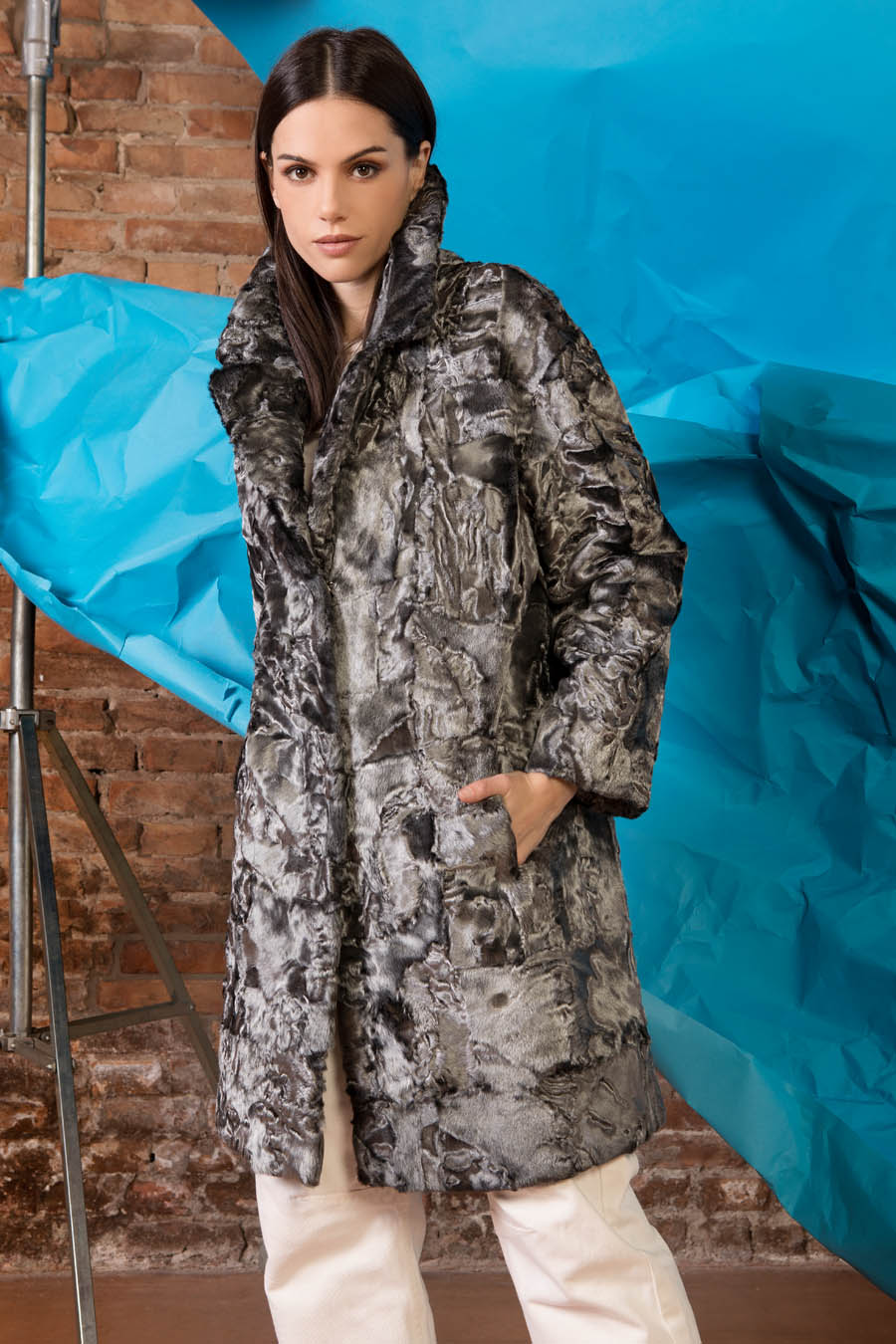 13 P1905P 19 02 giovi pelliccia fur grey - Fall Winter 2019-20