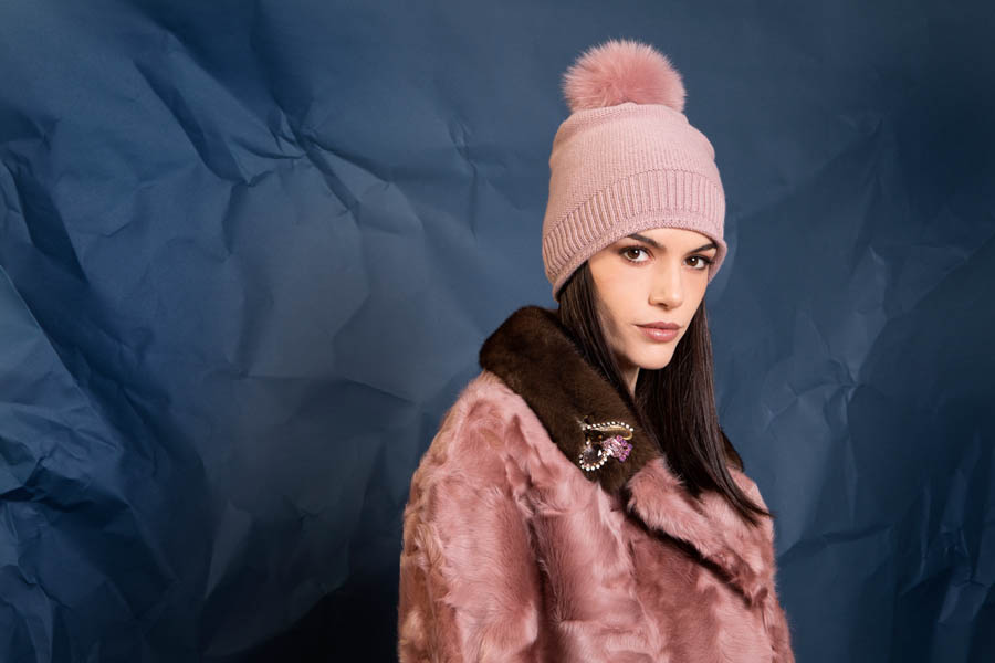 16 P1905T 10 01 giovi pelliccia fur pink - Fall Winter 2019-20