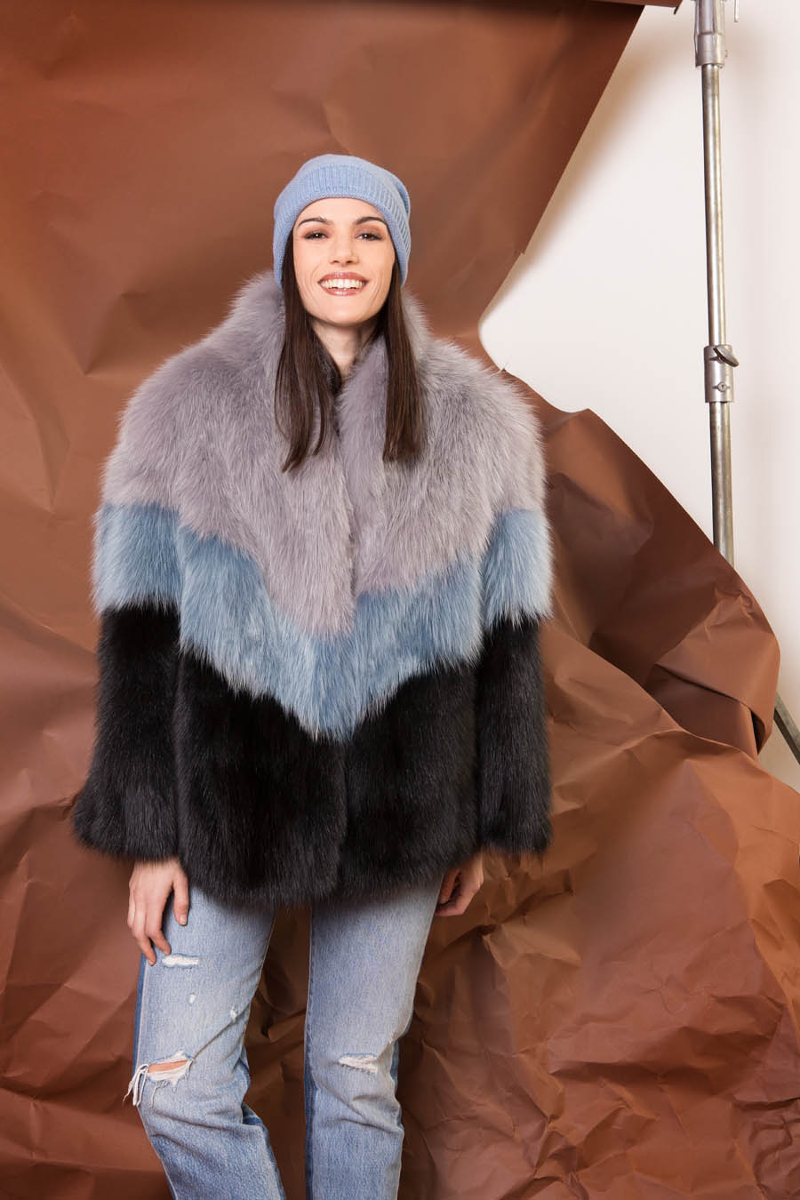 38 P1910VO 101 01 giovi pelliccia fur grey blue black - Fall Winter 2019-20