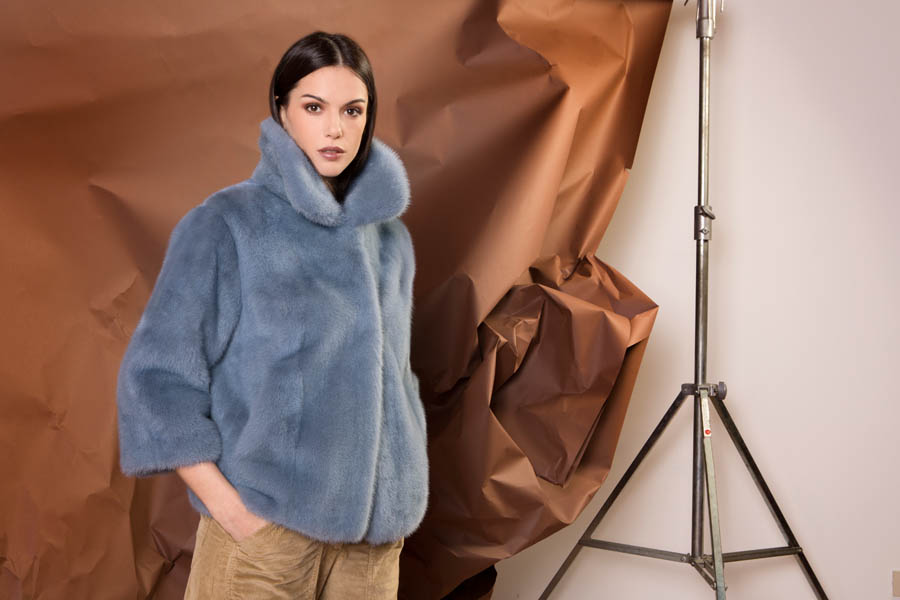 46 P1924V 16 02 giovi pelliccia fur blue - Fall Winter 2019-20