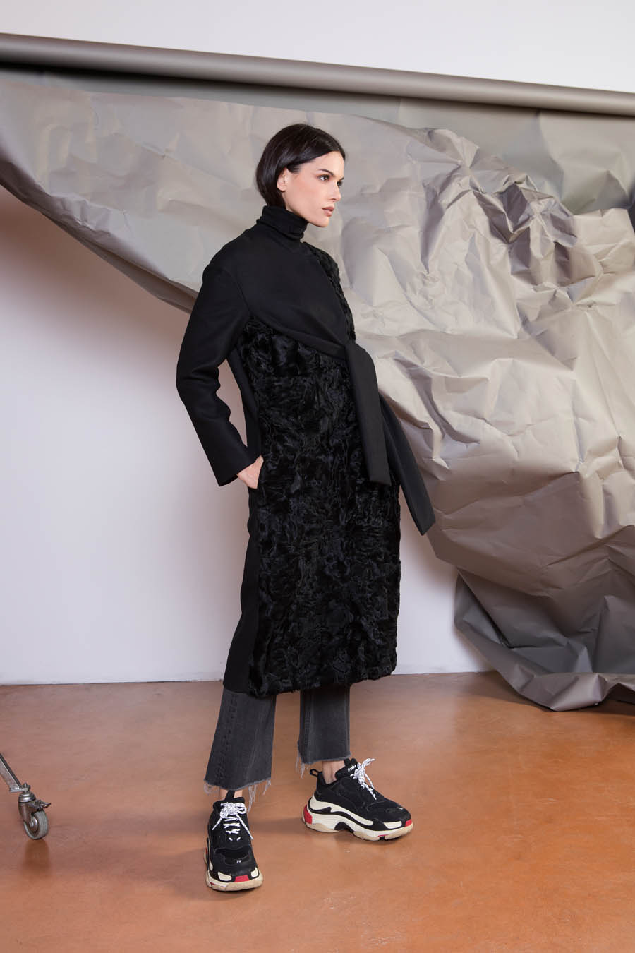 55 P1918P 99 02 giovi pelliccia fur black - Fall Winter 2019-20
