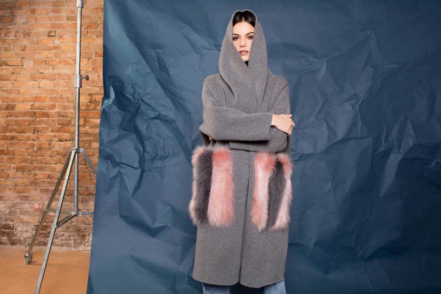 72 P1922 03 01 giovi pelliccia fur grey pink - Fall Winter 2019-20