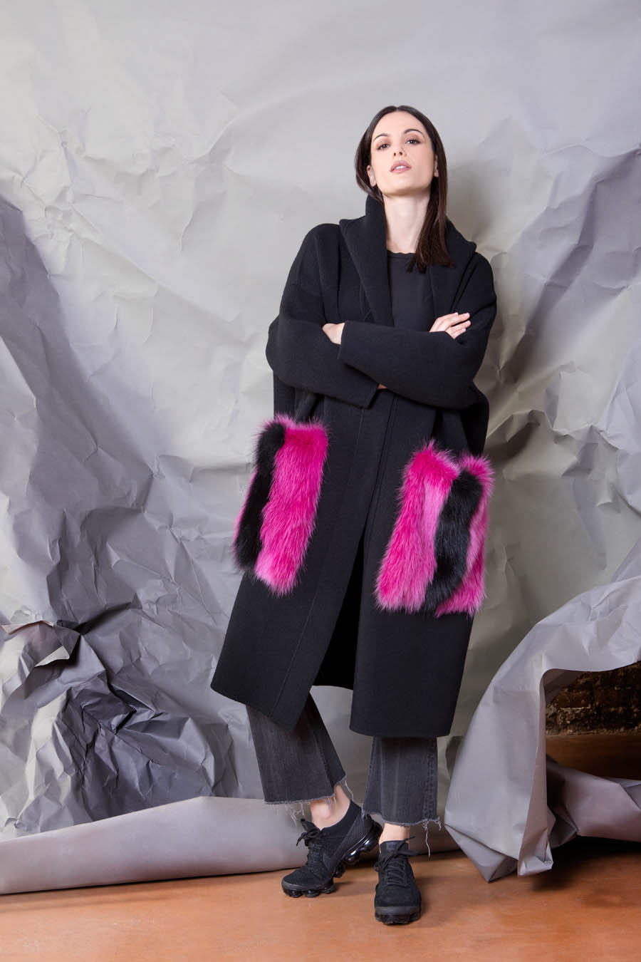 75 P1922 99 01 giovi pelliccia fur black magenta - Fall Winter 2019-20